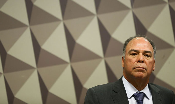 Ministro do STF lista 'indícios contundentes' de crimes de líder do governo